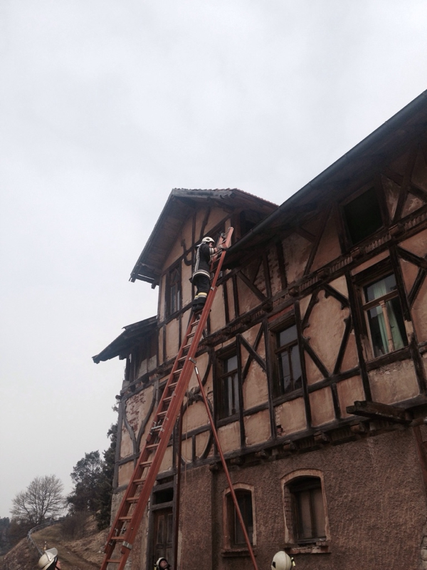 2015-04-07_Altdorf_THL_Dachziegel02